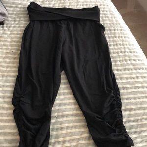 Like new lululemon ribbed cropped pants